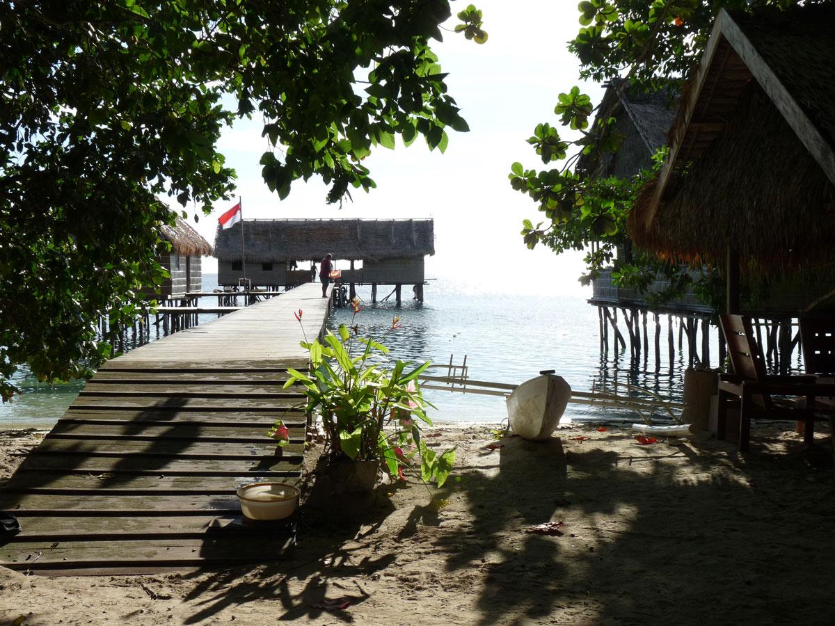 Jetty + Restaurant, Papua Paradise Eco Resort, Pulau Birie/Raja Ampat
