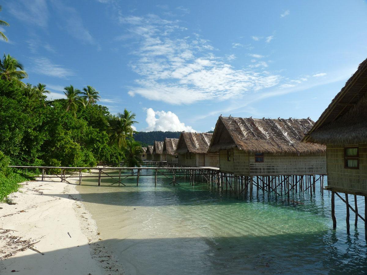 Bungalows, Papua Paradise Eco Resort, Pulau Birie/Raja Ampat