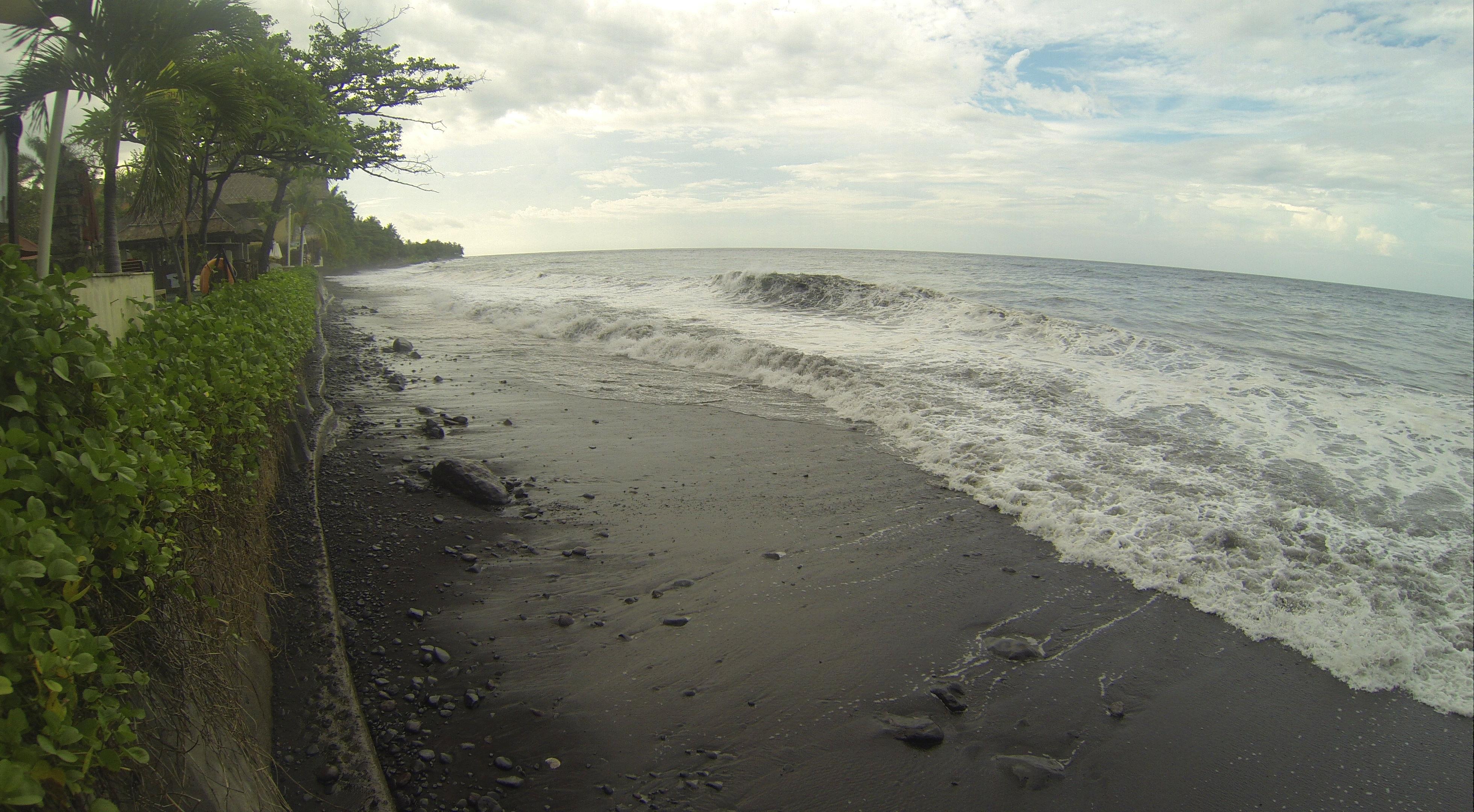 Tulamben-Bucht (stürmischer Tag), Tauch Terminal Resort, Tulamben/Bali (Foto aus GoPro-Video)